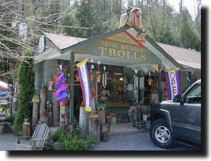 Smoky mountain arts crafts community a troll in the park for Arts and crafts gatlinburg tn